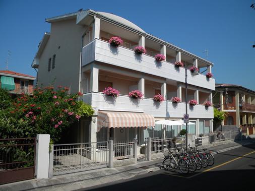 依利亞尼酒店 - 格拉多 - 格拉多 - 建築