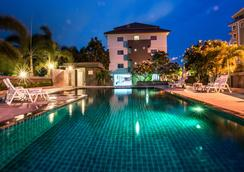 Veerawan Hotel @ Hua Hin - Hua Hin - Uima-allas
