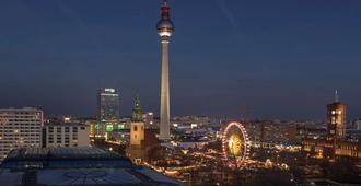 Radisson Blu Hotel, Berlin - ברלין - נוף חיצוני