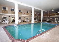 Sandwich Lodge & Resort - Sandwich - Pool
