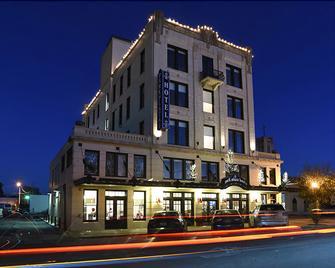 Park Plaza Hotel Seguin - Seguin - Building