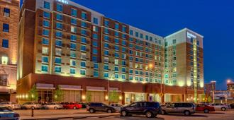 Courtyard by Marriott Kansas City Downtown/Convention Center - Kansas City - Building