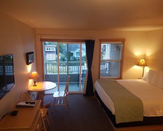 Sea Breeze Court - Cannon Beach - Bedroom