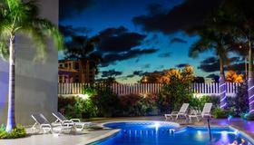 One Cancun Centro - Cancún - Piscina