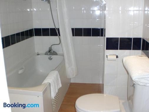 Heathlands Hotel Bournemouth - Bournemouth - Bathroom