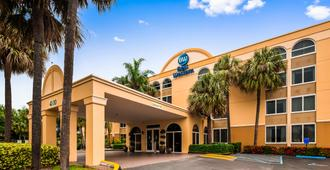 Best Western Ft. Lauderdale I-95 Inn - Fort Lauderdale - Building