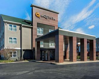 La Quinta Inn & Suites by Wyndham Lebanon - Lebanon - Building