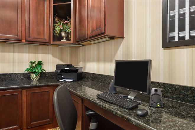 Country Inn & Suites Bloomington-Normal Airport - Bloomington - Aίθουσα συνεδριάσεων