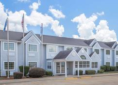 Microtel Inn & Suites by Wyndham Broken Bow - Broken Bow - Building