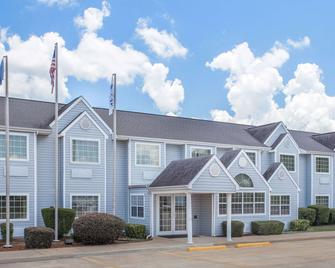 Microtel Inn & Suites by Wyndham Broken Bow - Broken Bow - Gebouw