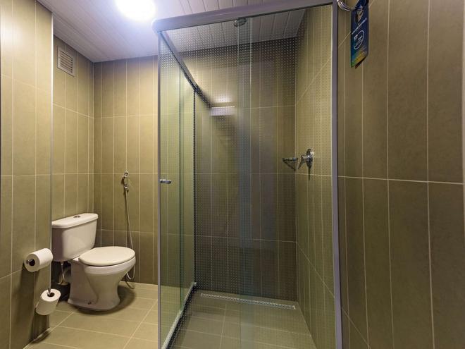 ibis Ribeirao Preto Shopping - Ribeirão Preto - Bathroom