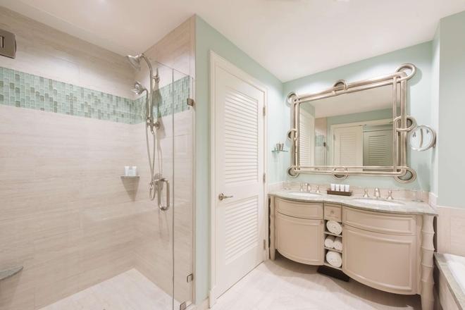 The Henderson, a Salamander Beach & Spa Resort - Destin - Bathroom