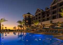 The Henderson, a Salamander Beach & Spa Resort - Destin - Piscina