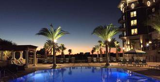 The Henderson, a Salamander Beach & Spa Resort - Destin - Piscina
