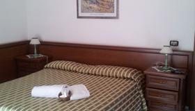 Hotel Octavia - Rome - Bedroom