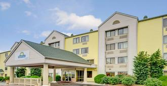 Days Inn & Suites by Wyndham Kansas City South - Kansas City - Edificio
