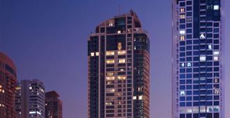Mövenpick Hotel Jumeirah Lakes Towers - דובאי