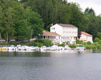 Hotel Restaurant La Caravelle - Peyrat-le-Château
