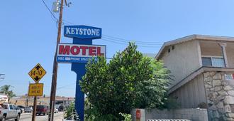Keystone Motel - Norwalk - Vista del exterior