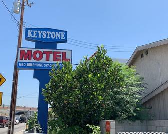 Keystone Motel - Norwalk - Outdoors view