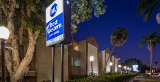 Best Western Royal Palace Inn & Suites - Los Angeles - Building
