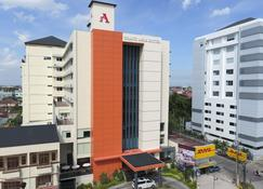 Grand Asia Hotel Makassar - Makassar - Edificio