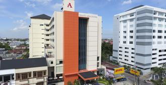 Grand Asia Hotel - Makassar - Building