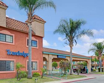 Travelodge by Wyndham Lynwood - Lynwood - Building