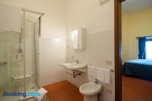 Hotel Capranica - Capranica - Bathroom