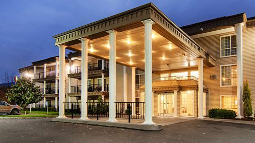 Best Western Grand Manor Inn - Springfield - Gebäude