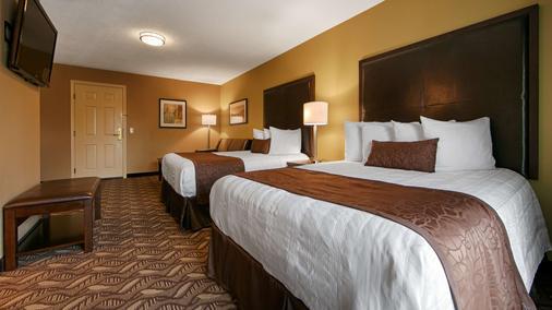 Best Western Grand Manor Inn - Springfield - Schlafzimmer