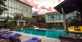 The Lerina Hotel Nusa Dua - South Kuta - Piscina