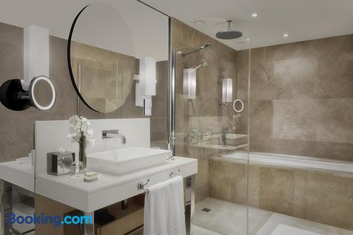 CVK Park Bosphorus Hotel Istanbul - Istanbul - Bathroom