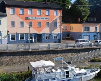 Hotel Restaurant Lahnhof - Dausenau - Building