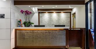 Flushing Central Hotel - קווינס - דלפק קבלה