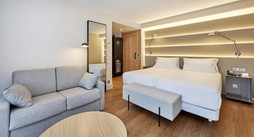 NH Sants Barcelona - Barcelona - Bedroom