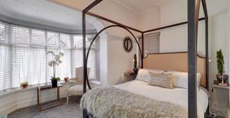 Mulberry House Deluxe Four Poster Apartment - מנצ'סטר - חדר שינה