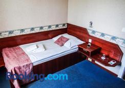 Classic Hotel - Budapest - Bedroom