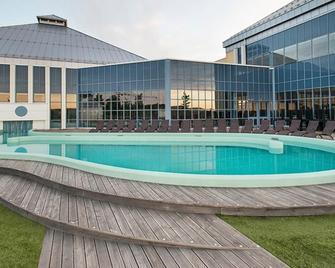 Quality Hotel Skjaergarden - Langesund - Piscina
