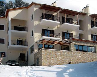 Amadriades - Kalavryta - Edificio