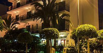 Hostal Valencia - Sant Antoni de Portmany - Κτίριο