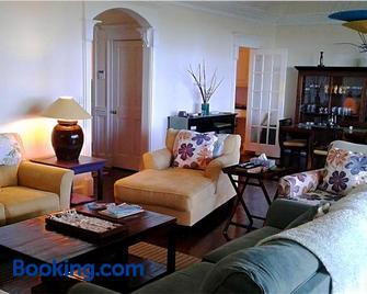 The Blue Inn Villa, 3 Bedroom Vacation Home - Freeport - Sala de estar
