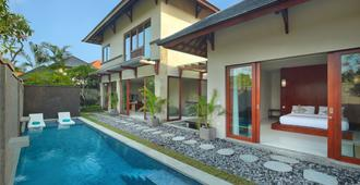 Theanna Eco Villa and Spa - North Kuta - Pool
