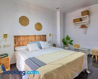 Roomqueo - Adults Only - Barbate - Bedroom