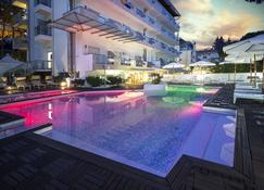 Hotel Rex - Lignano Sabbiadoro - Pool