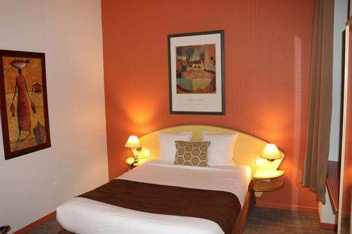 Hotel Des Oliviers - Thionville - Bedroom
