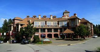 Borgata Lodge - קלונה