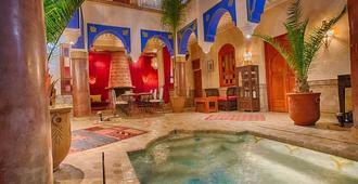 Riad Kenzo - Marrakesh - Zwembad