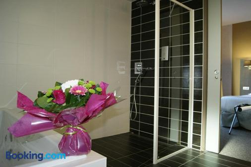 Hôtel Victor Hugo & Spa - Besançon - Bathroom
