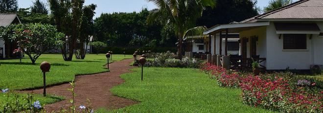 Ameg Lodge Kilimanjaro - Moshi - Outdoors view